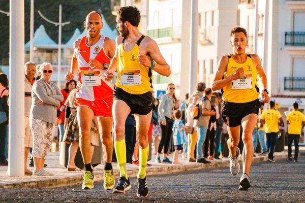 Men running with sports socks