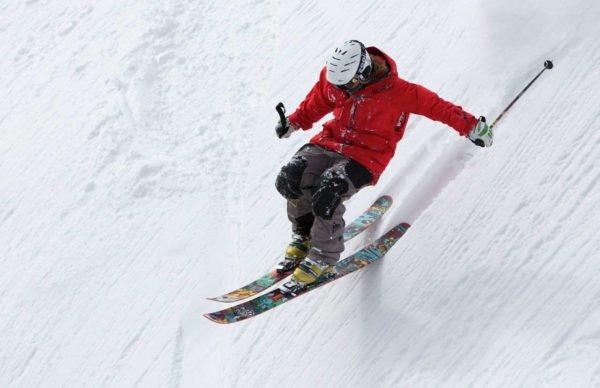 Esquiador en las pistas