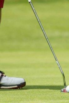 Golfspieler mit passenden Socken
